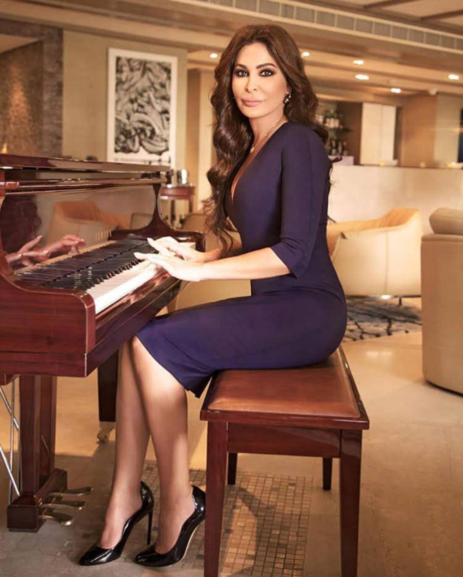 بالصور- شاهدي إطلالة إليسا التي شغلت انستغرام... هذا هو سعر فستانها   Laha Magazine