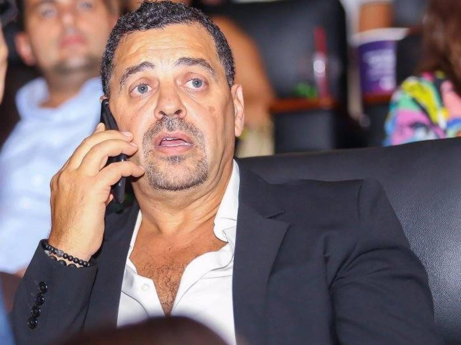 خاص  لها - المخرج طارق العريان يكشف حقيقة توقف فيلم عمرو دياب   Laha Magazine