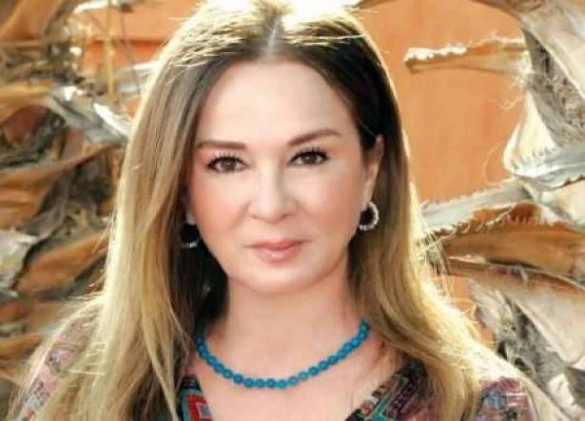 نجلاء فتحي ترد على شائعات مرضها بصورة تظهر جمالها الساحر   Laha Magazine