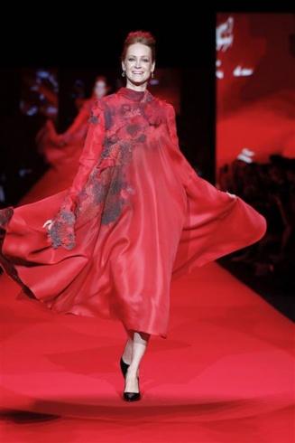 اللون الأحمر الملكي