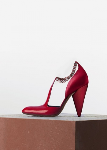 صور لاحذية Céline تتربع على عرش الاحذية الكلاسيك عالميآ