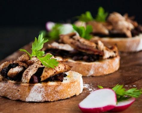 الأكل فنّ مع مها: شرائح الخبز الريفي بالمُسخن الفلسطيني