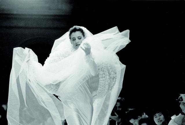 Ines De La Fressange  في عرض Chanel 1985