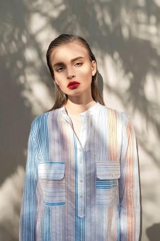 قميص من القطن المخطط من Stella McCartney.