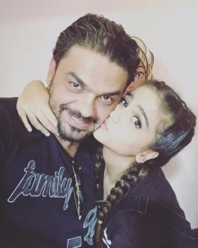 مفاجأة: بعد الخلافات.. محمد الترك يدافع عن ابنته حلا!!   Laha Magazine
