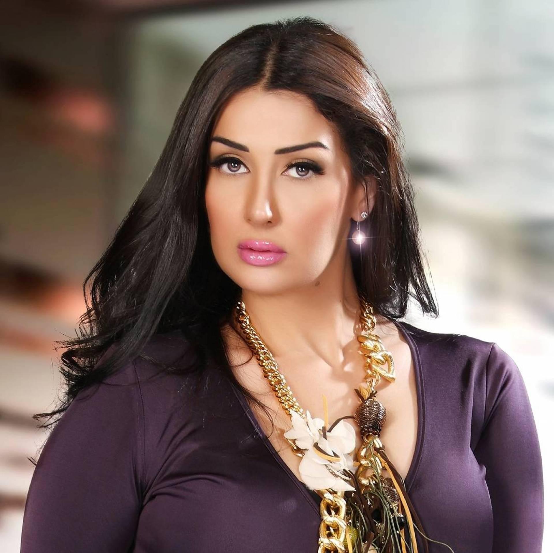 تعرفوا الى شقيقة غادة عبد الرازق وابنتها الحسناء التي أشعلت  انستغرام ... هل تشبه خالتها؟!   Laha Magazine