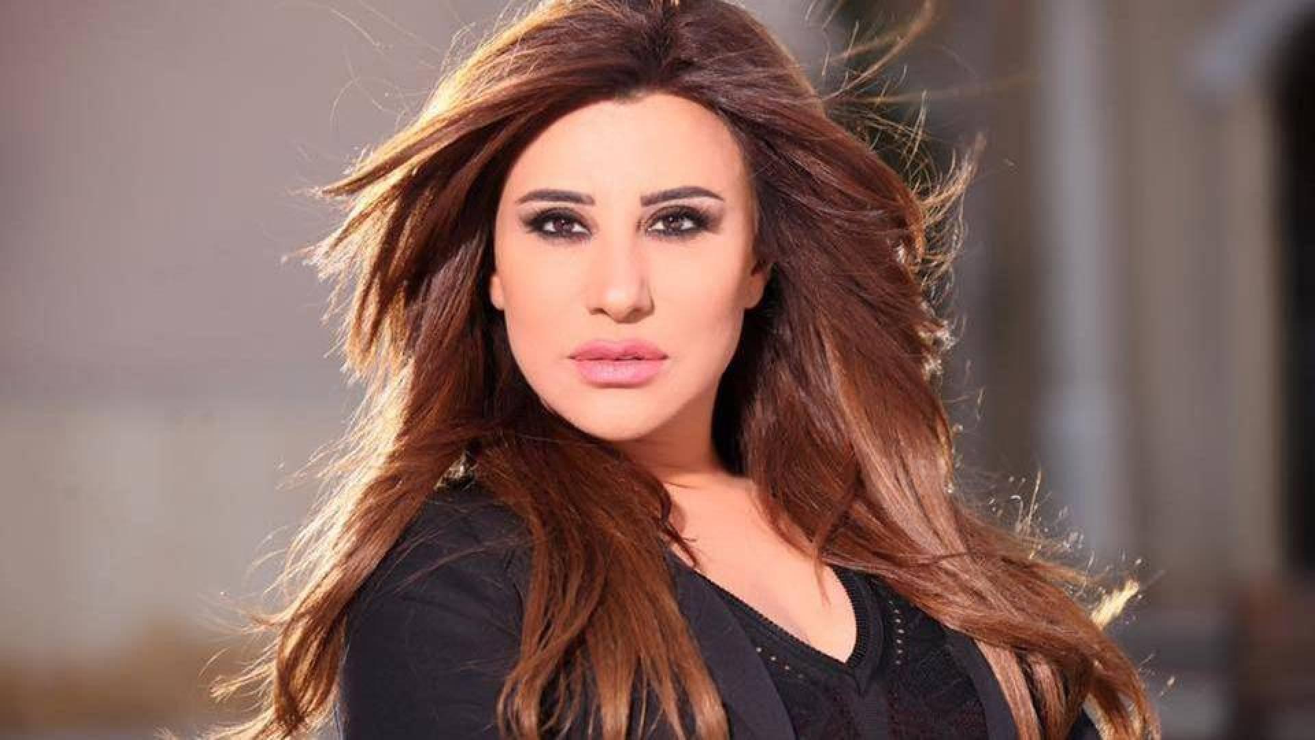 Video - La primera aparición de Najwa Karam después del proceso de embellecer su nariz y cambiar su forma en el lanzamiento de Arabs Got Talent.