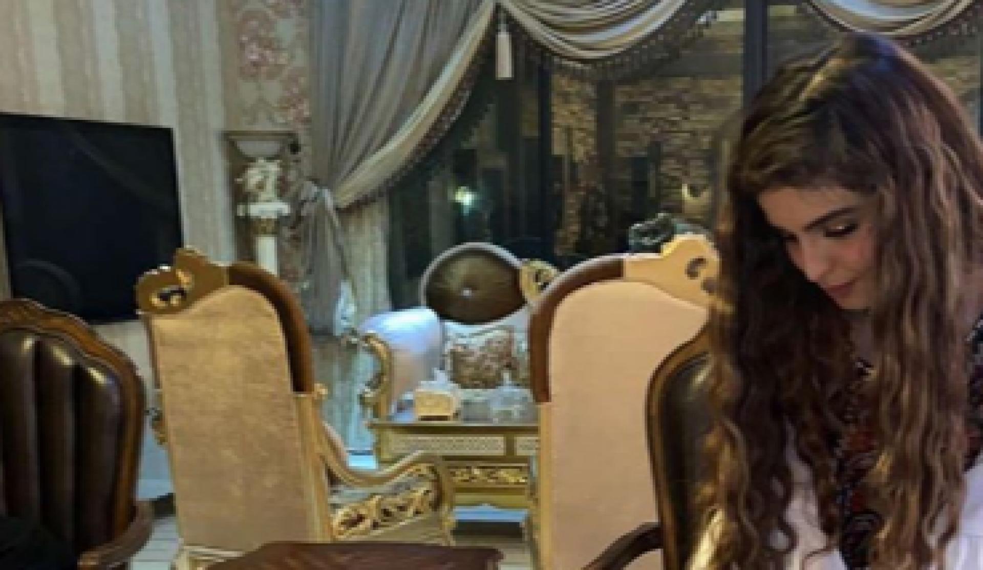 بالفيديو - حلا الترك تبكي في عيد بلوغها سن الرشد وتتجاهل والدتها