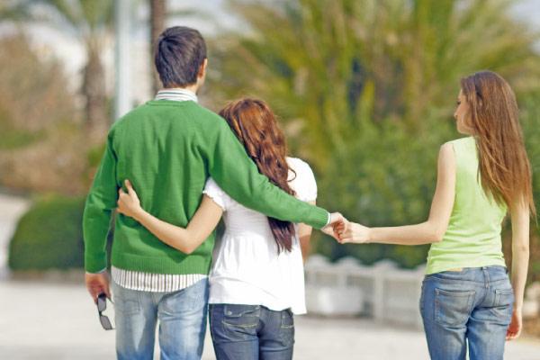 e59542a6cf1f1 شكاوى الزوجات تتكاثر  صديقتي خطفت زوجي!