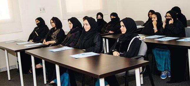 بعد تخرجهن من أكاديمية معتمدة من الهيئة العامة للطيران المدني سعوديات يقتحمن مجال الطيران ويحصلن على رخص رسمية Laha Magazine