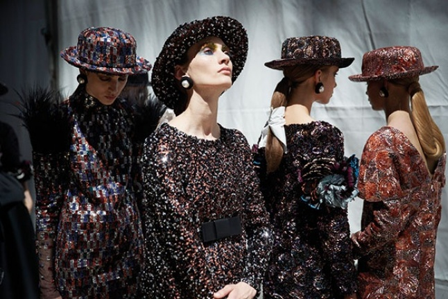 10ad55dd0 Haute Couture Collection FW 2017/2018 CHANEL هذه هي باريس! | Laha Magazine